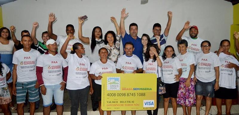 Adelmo Soares assina Termo de ateste do PAA em Junco do Maranhão
