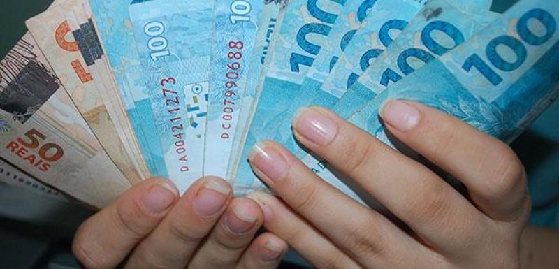 Dinheiro nas contas dos servidores efetivos