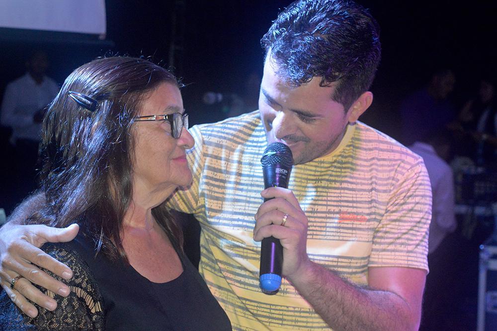Emoção marca a Festa das Mães em Junco do Maranhão