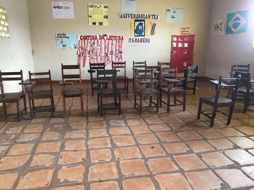 Mais investimento em educação: novas cadeiras nas escolas de Junco do Maranhão